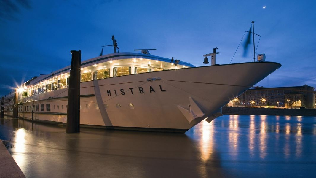 Boat-Hôtel MS Van Gogh / Exclusive : Festival of Lights stay all inclusive cabin + dinner